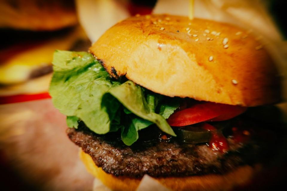 Reichen Burger: camembert sticks in Kreuzberg