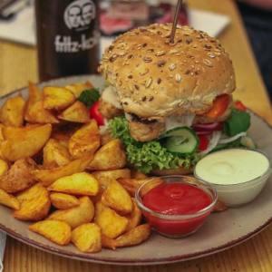 Loveburger: Vegan burgers in Neukölln via @fotostrasse