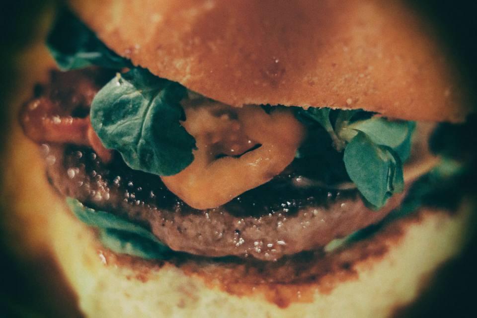Kumpel & Keule Speisewirtschaft: Amazing Burgers in Kreuzberg