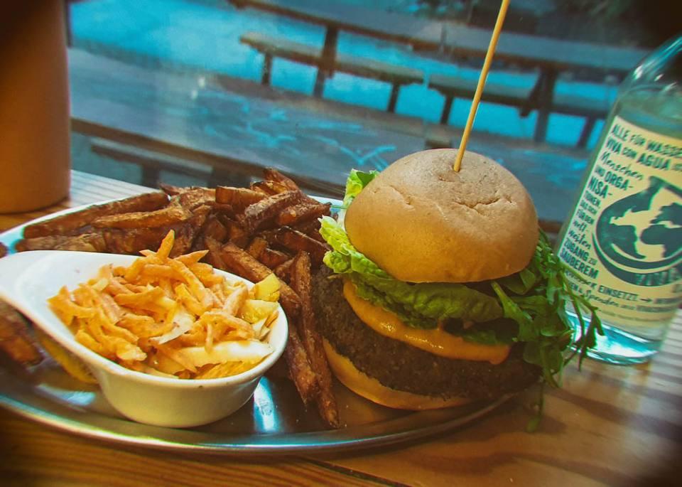 Lia's Kitchen: Vegan Burgers in Prenzlauer Berg