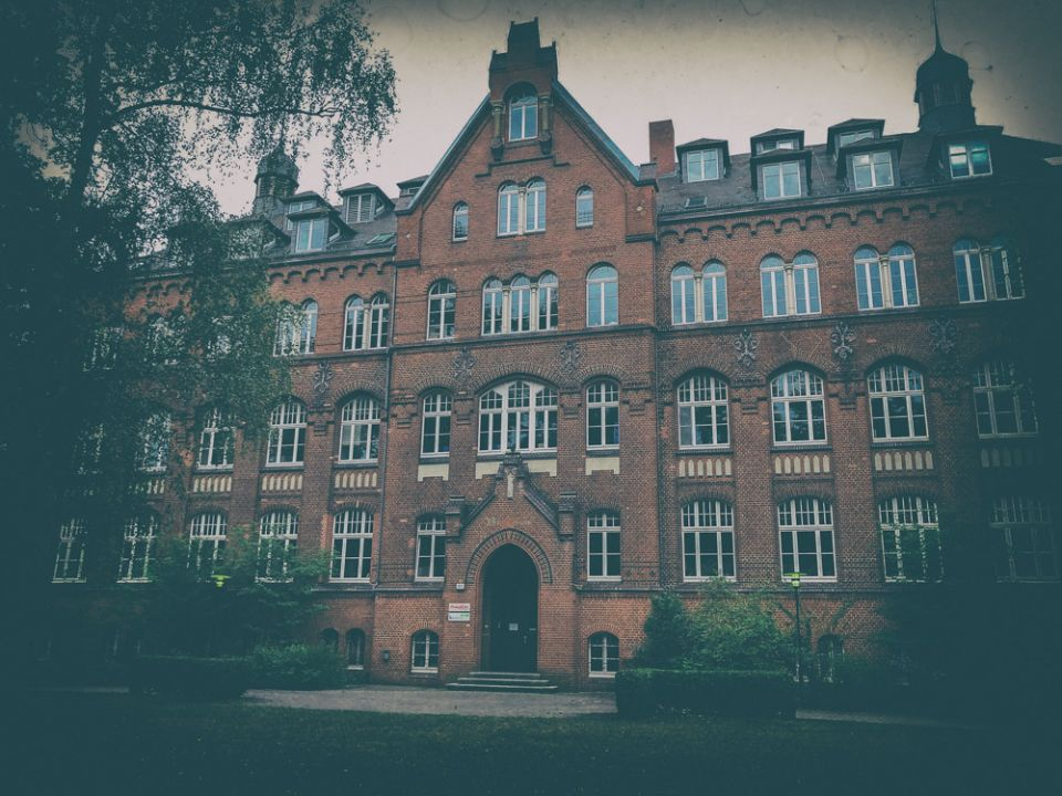 Dark Locations: The Mental Asylum where Ulrich was locked in 1953