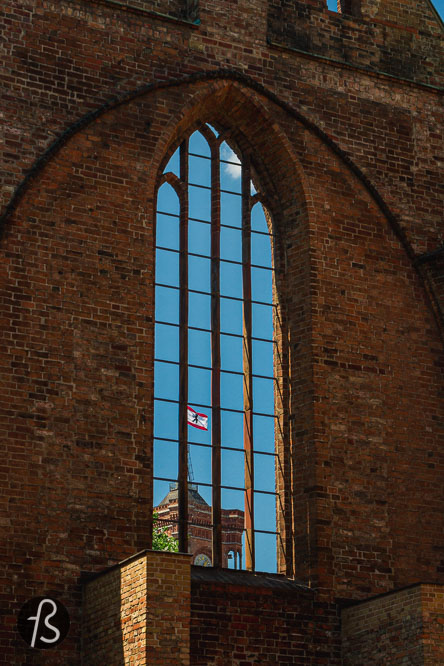 If you ever walked around Alexanderplatz, Altes Stadthaus, and the Alexa shopping mall, you have seen the ruins of a church. That is the Franziskaner-Klosterkirche, founded in 1250 and destroyed by Allied bombing in April 1945, in the last days of the Second World War.