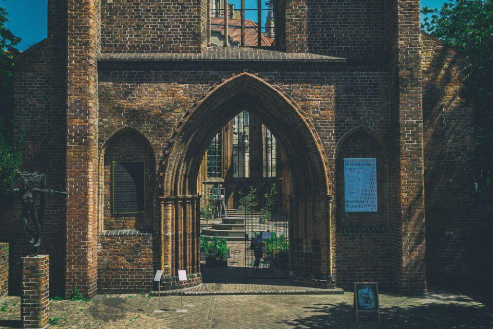 Franziskaner-Klosterkirche: A Visit to the Ruined Church next to Alexanderplatz