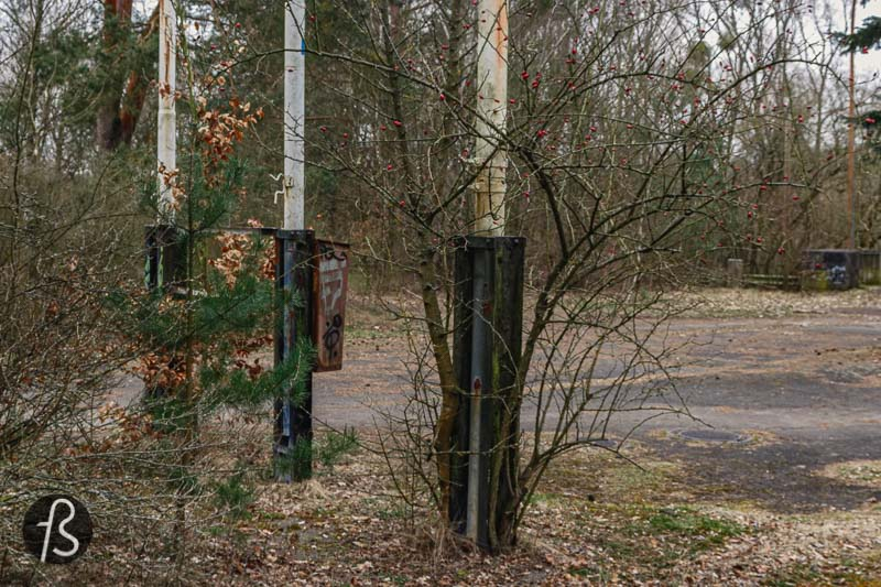 At the end of 1999, the asphalt of the road was removed. The Friedhofsbahn train bridge was dismantled as well and, today, it's a know graffiti spot in the area. In 2004, the campsite was closed, and, in 2010, a mysterious bidder bought the entire area for 45,000 euros, the minimum bid asked for this place.