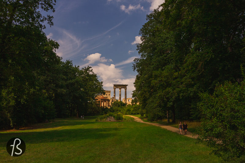Ruinenberg  in Potsdam is a hill where the Prussian king Frederick the Great ordered a built water tank. This water tank had the goal to supply water to the gorgeous Sanssouci Palace close by, and it was decorated with some fake ruins. That is where the name comes from.
