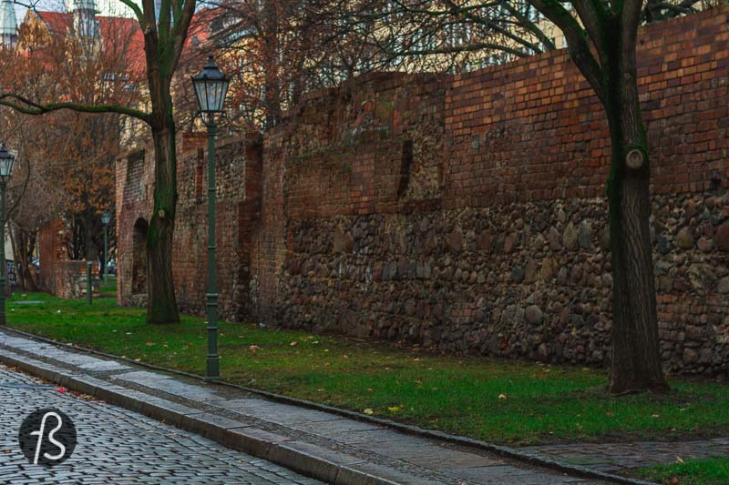 The Old City Wall of Berlin was forgotten through time, and it was only in 1948, after the Second World War, that they were discovered. During the cleanup of wartime debris, the wall's stretch was found and declared a city landmark.