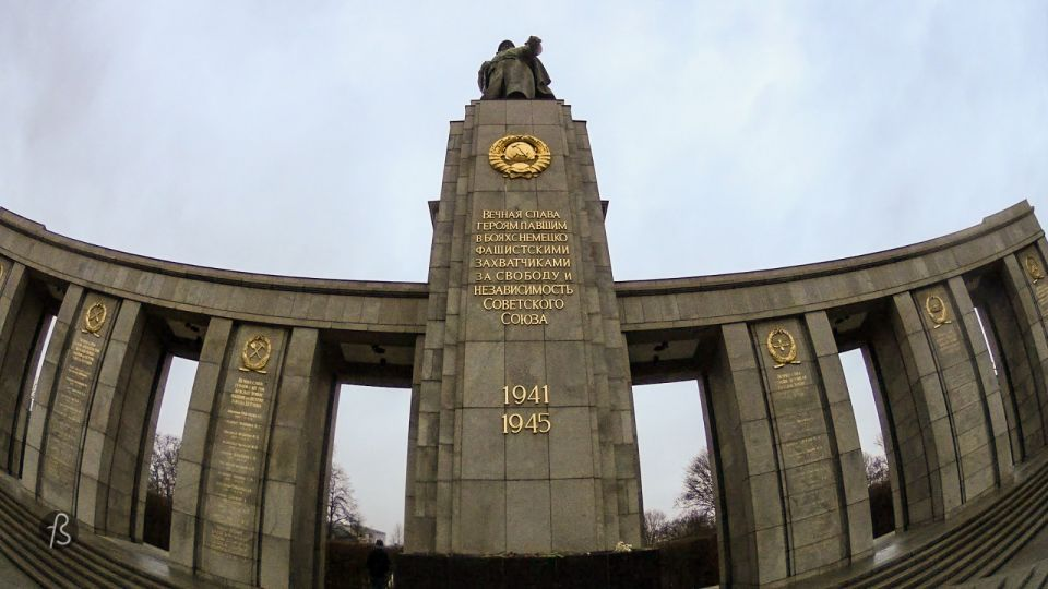 The Soviet Memorial in the Tiergarten is one of the many war memorials that can be found around Berlin. From the prominent memorials erected by the Soviet Union after the end of the Second World War, this is the most famous and most visited since it lies close to Berlin's leading tourist destinations.