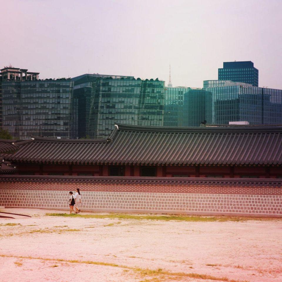 Gyeongbokgung and Seoul in the background