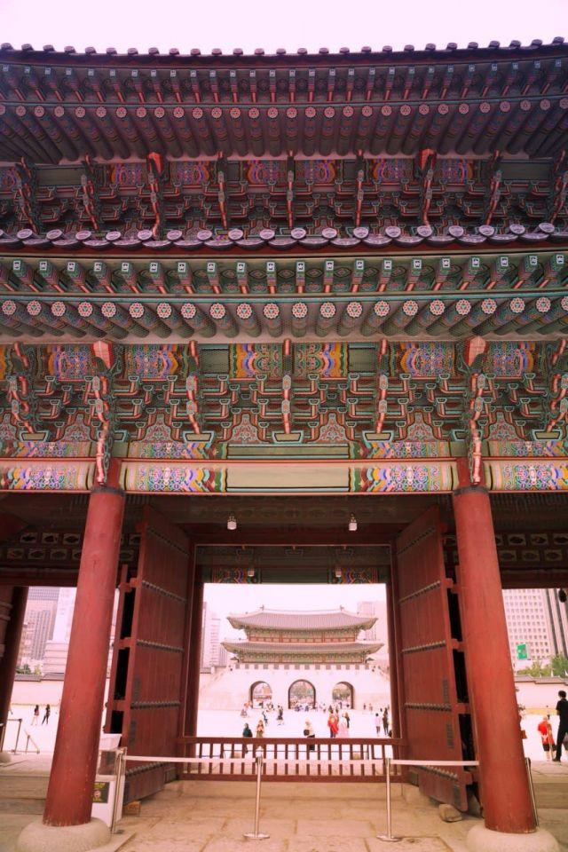 roof detail at Gyeongbokgung