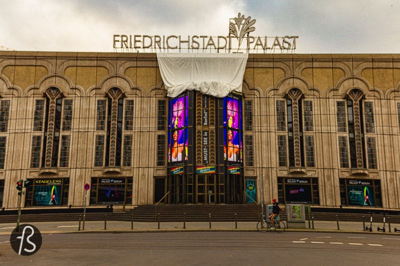 When Beth Harmon goes on to meet with Russians for the first time, she is in Mexico. In the series, this is the Aztec Palace Hotel, but, in real life, this is the Friedrichstadt-Palast in Mitte.
