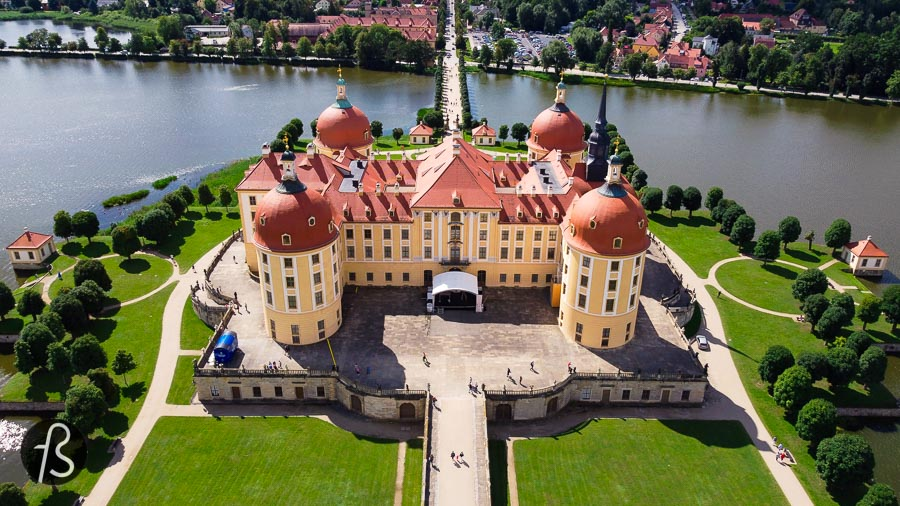 We visited Dresden and the Moritzburg Castle in the summer of 2021 by invitation from Visit Dresden. Our friends from Canal Alemanizando were there with us, and they did a great video about the trip as well. If you speak Portuguese, this might be the video for you.