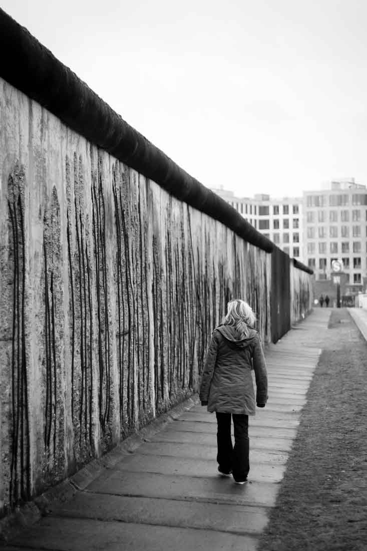 bowie in berlin, heroes and the berlin wall